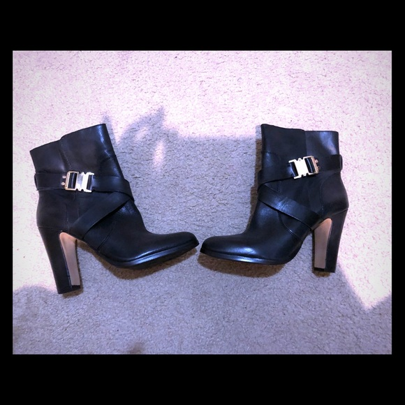 Vince Camuto Black Leather Booties Sz 10